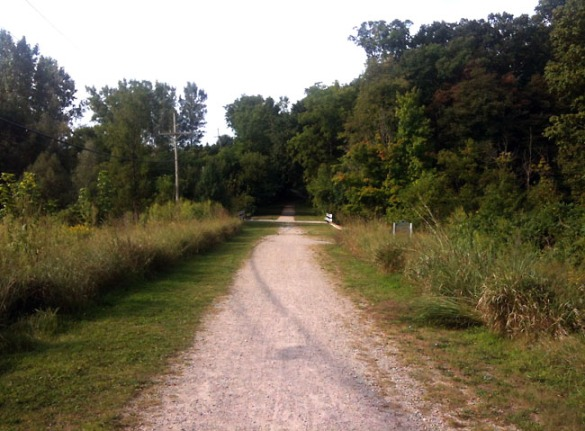 A path leading from the farm back towards downtown Rochester