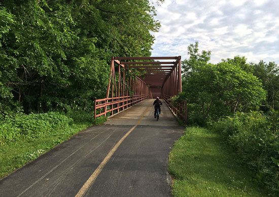 Nice paved trails at this park in Elk Grove Village, IL.
