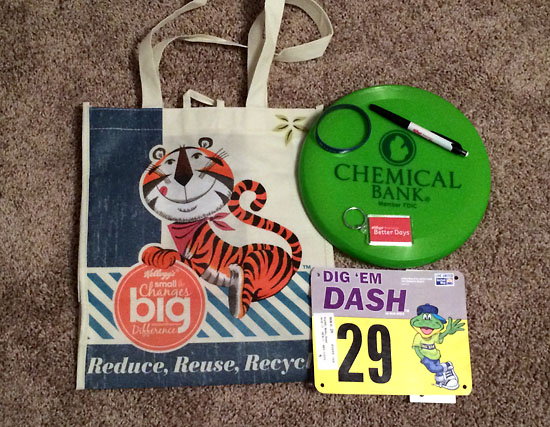 The packet and bib. I love that Dig 'Em is on the bib.