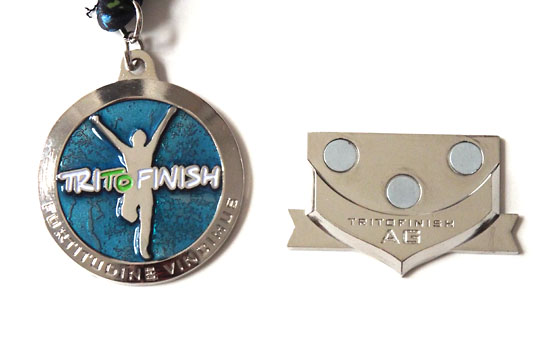 The medal with the magnetic age group award.