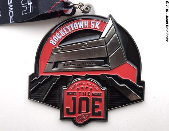 2016-09-10-hockeytown-medal1