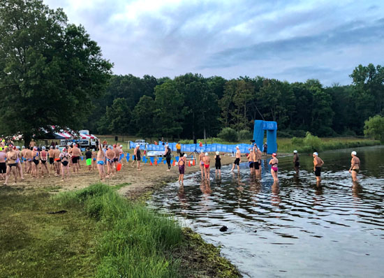 2019-08-18 - swim to the moon 10k start