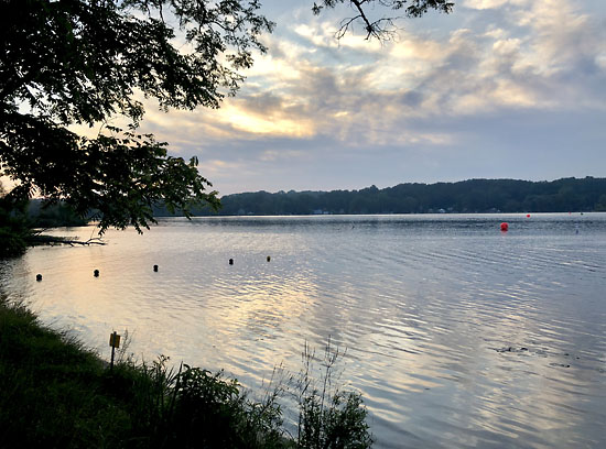 2019-08-18 - swim to the moon 5k start2